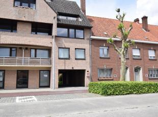 Godshuislaan - Roeselare<br /> GARAGES te koop gelegen bij Res. Prinsenhof langs de Godshuislaan.<br /> Automatische poort geeft toegang tot het priva