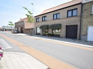 Stationsstraat 20, 8650 Merkem<br /> In het hart van Merkem op een boogscheut van de markt en het ontmoetingscentrum ligt deze zeer ruime woning.<br /