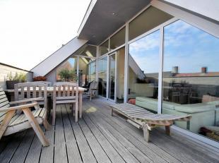 Henri-Horriestraat 58 - Roeselare<br /> Ruim en modern ingericht penthouse in het centrum van Roeselare.<br /> Best.uit : inkomhal, zeer ruimte woonka