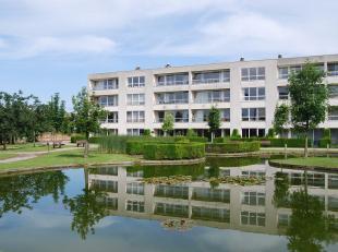 BEVERSESTEENWEG 53/5 - ROESELARE<br /> Appartement in oase van groen, op wandelafstand van het centrum en het station. Gelegen op de eerste verdieping