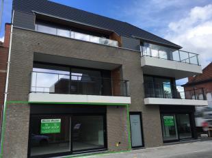 Kleinschalig appartementsgebouw met 6 appartementen en achterliggende garages. Op wandelafstand van het centrum van Roeselare (10 min wandelen).Laatst