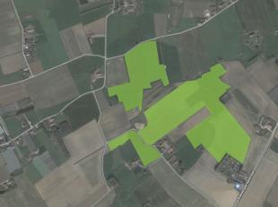 Unieke kans !Zeer groot perceel landbouwgrond op de grens van Roeselare - Moorslede. Meer dan 18 Ha grond vrij van pacht.Deze zandleemgrond is uiterst