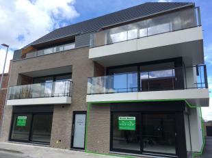 Laatste nieuwbouw appartement te koop op wandelafstand van het centrum van Roeselare.Dit hoekappartement is voorzien van een inkom, gezellige leefruim