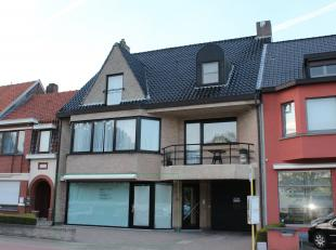Deze eigendom is gelegen op een commerciële ligging te Sint-Michiels Brugge,nabij het station van Brugge en op een boogscheut van het centrum Bru