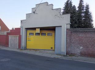 Polyvalente ruimte in centrum Kortemark. De ruimte kan benut worden als magazijn, garage, bureelruimte of archiefruimte...<br /> Deze eigendom heeft e