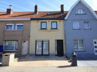 Deze verzorgde woning bevindt zich in een rustige omgeving maar is gelegen op een boogscheut van het centrum van Roeselare. Op het gelijkvloers is de