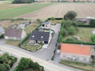 Deze ruime alleenstaande villa bevindt zich in het landelijke Langemark en werd door de huidige eigenaars gebouwd met speciale aandacht voor de energi