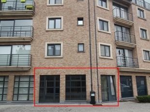 VERNIEUWD, GELIJKVLOERS APPARTEMENT MET 2 SLPKS<br /> Dit appartement bevindt zich in de Capucienenstraat, op wandelafstand van het station.<br /> Ind