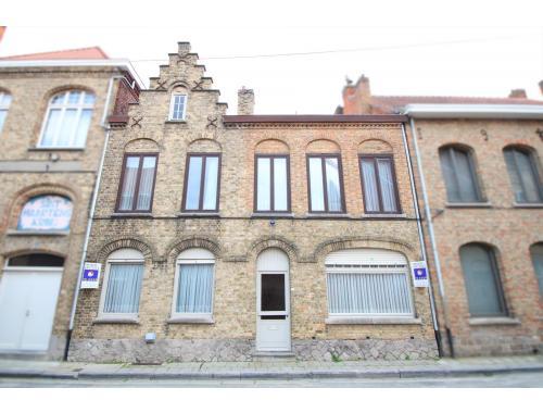Maison de ville à vendre à Ieper, € 235.000