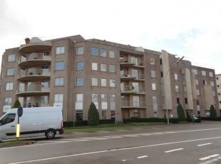 Penthouse met 2 zeer ruime terrassen (terras: ong. 100 m²) met unieke verzichten; 2 slaapkamers, badkamer, woonkamer met keuken, twee autostaanpl