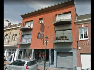 Opbrengsteigendom bestaand uit 6 appartementen en handelsglv en 6 autostaanplaatsenHuidige opbrengsten:-verhuur: 4728,62 euro/maand-groenestroomcertif