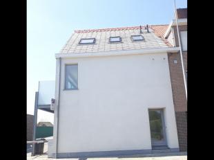 Boezinge: Modern appartement met terrasModern appartement met zuidgericht terras, 2 slaapkamers, douchekamer met toilet, aparte inkom, ruime woonkamer