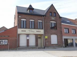 Dit eigendom bevindt zich op het heraangelegd dorpsplein van Zillebeke.Een eigendom met veel mogelijkheden en heden ingericht met :Inkomportaal ( met