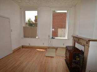 De studio is als volgt ingedeeld: Leefruimte, keuken, badkamer & slaaphoek. Pluspunten: - onmiddellijk vrij - in centrum Epc 956kWh/m² UC1242