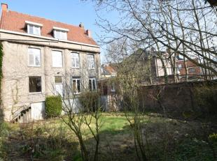 Karaktervolle herenwoning met zuidgerichte tuin en garage.<br /> Ideaal als grote gezinswoning of voor vrije beroepen en/of horecazaak. Commercieel go