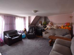Dit appartement is ingedeeld als volgt: inkom, leefruimte, keuken, badkamer en 2 slaapkamers. Vrij 1/6. Epc in aanvr.