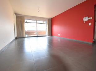 Ruim & volledig instapklaar appartement gelegen op een toplocatie in Wervik nabij verschillende winkels en invalswegen en openbaar vervoer.Het app