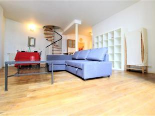!!! NEW !!! ABITA vous propose un CHARMANT appartement à deux pas de la Colonne du Congrès, très bel appartement duplex enti&egra