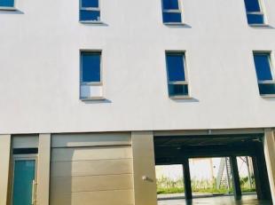Maison avec 2 chambres, avec garage et terras.Contient:*Rez-de-chaussée: garage* 1er etage: Leving, cuisine, bureau, buanderie, toillettes, ter