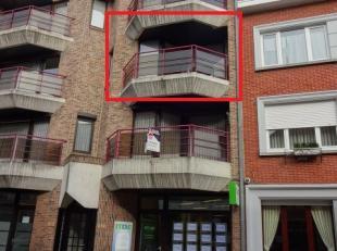 Op het 2de verdiep gelegen goed onderhouden appartementbestaande: inkom, apart toilet, badkamer met douche, 2 slaapkamers, berging, living en open keu