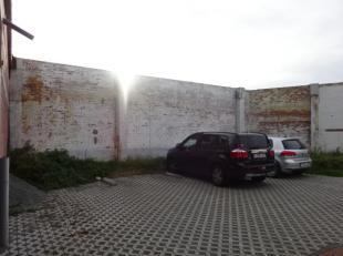 Staanplaats van 12m² in Residentie Brugsepoort op de hoek Bruggestraat en de J&M Sabbestraat te Menen