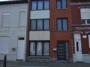 Maison spacieuse avec 6 chambres composé de Rez-de-chaussée: entrée, séjour avec Premier étage: 2 chambres avec ter