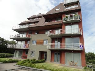Modern appartement op het 1° verdiep met terras Appartement bestaande uit een inkom, wc, living met open keuken, 2 slaapkamers met elk een badkame