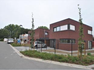 Dernières maisons à vendre... N'hésitez pas! Nouvelles maisons modernes sont situés sur une lotissement agréable et