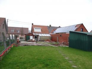 Remodelage approfondi (démolir) demi-maison ouverte avec jardin ensoleillé sur 429 m ².Diverses possibilités.Proche centre e