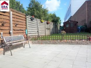 Maison spacieuse avec 2 chambre et grand jardin ensoleiléCette propriété se compose de : Rez-de-chaussée : hall d'entr&eac