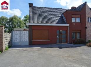 Cette belle maison offre beaucoup d'atouts, dans un endroit calme mais à proximité des routes d'accès, du centre, de la gare, de