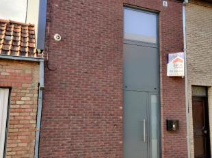 Maison renové avec 2 chambres et terrasse dans le centre de Menin.Cette propriété a été entièrement r&eacute