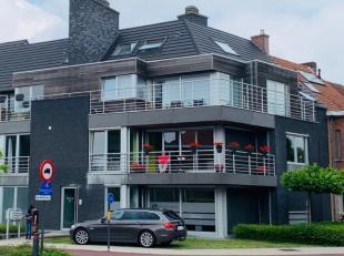 Prachtig duplex appartement met 2 slaapkamers, 2 badkamers en groot terrasVolledig instapklaar en afgewerkt met hoogwaardige materialen.Living en eetp