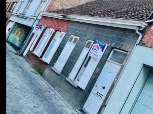 2 volledig te renoveren woningen in het centrum van Wervik (nummer 65 en 67, elk 65.000 EUR samen 130.000 EUR)Nummer 65 heeft een grondoppervlakte van