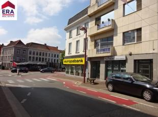 Maison de commerce à vendre prôche du centre Composé de: Hall d'entrée, réception / bureau, salle de réunion,