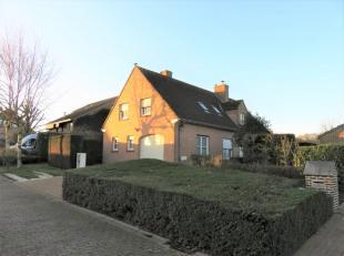 Te koop mooie woning gelegen in de Zavelkouter 3 De Klijte - Heuvelland.<br /> Omvat: <br /> Gelijkvloers: inkom, bureau, living, keuken, badkamer gel