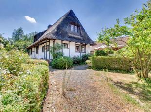 Op wandelafstand van de Kwaremont vindt u dit charmante en rustig gelegen landhuis op een perceel van 1340m² .De woning is volledig gerenoveerd i
