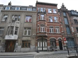 In dit gebouw zijn er nog 2 studentenkamers beschikbaar:<br /> - kamer 6/001 te huur aan euro 430<br /> - kamer 6/104 te huur aan euro 325<br /> Ieder