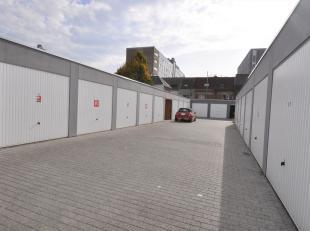 Deze recent gebouwde garage is gelegen naast het Sint-Pietersplein te Gent. Ideale ligging voor omwonenden of voor studenten die tijdens de schoolweek
