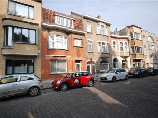 De studio is gelegen in de omgeving van het Citadelpark en het Sint-Pietersstation.<br /> De studio bevindt zich op de 2de verdieping en bestaat uit e