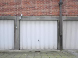 Deze garage is gelegen in Ganzendries.<br /> Voor bezoeken, mail of bel ons gerust.