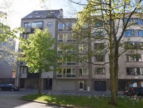 Ruim, lichtrijk en uiterst residentieel gelegen appartement op de tweede verdieping met 3 slaapkamers (op heden is de derde slaapkamer ingericht als b