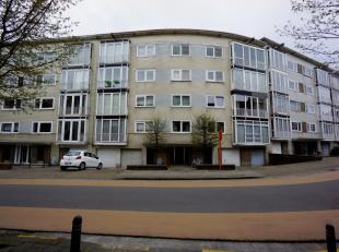 Comfortabel en lichtrijk appartement met 3 slaapkamers en een garagebox gelegen aan de Gentse stadsrand met een vlotte bereikbaarheid naar het centrum