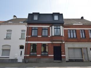 Dit karaktervol, gerenoveerd en instapklaar herenhuis is gelegen nabij het centrum van Oudenaarde, het station en het recreatiedomein De Donkvijver.<b