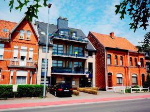 Energiezuinig, modern en recent appartement met 2 terrassen, 2 slaapkamers en achterliggende garagebox gelegen nabij het centrum en station van Ninove