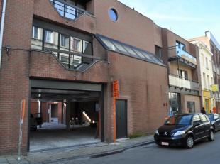 Ruim appartement met één slaapkamer en terras, gelegen in het centrum van Gent. <br /> Het appartement bevindt zich op de 2de verdieping