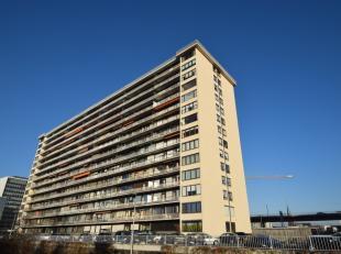 Ruim en lichtrijk 3 slaapkamer appartement met garagebox en zonnig terras gelegen op de 7de verdieping van de Residentie Esplanada met een subliem zic