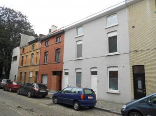 Charmant en instapklaar woonhuis met 3 slaapkamers en zuidgerichte tuin, mooi en rustig gelegen in de omgeving van De Sterre, Gent Sint-Pieters en het