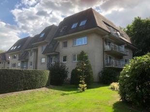 Zonnig, residentieel en energiezuinig (EPC 106) villa-appartement met garage gelegen op een eerste verdieping in een groene omgeving op wandelafstand