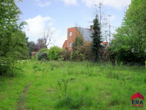 Bouwgrond voor open bebouwing<br /> Deze bouwgrond is gelegen op een perceel van 1953 m².<br /> Funderingen reeds aanwezig.<br /> De grond heeft
